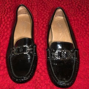 Donald J Pilner Viky Black Patent Leather Loafer